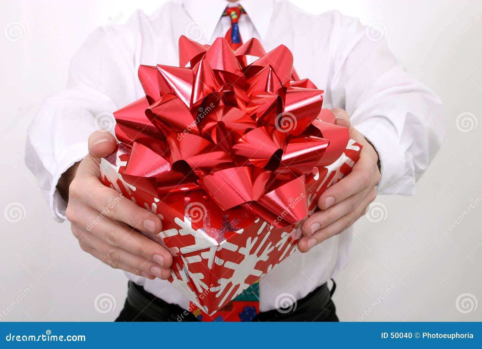 большой красный цвет подарка смычка