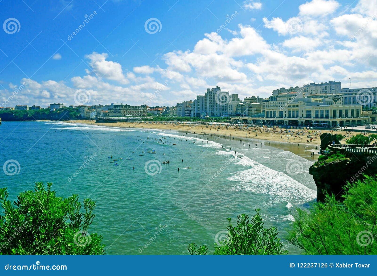 Большой пляж Plage в Биаррице, Франции
