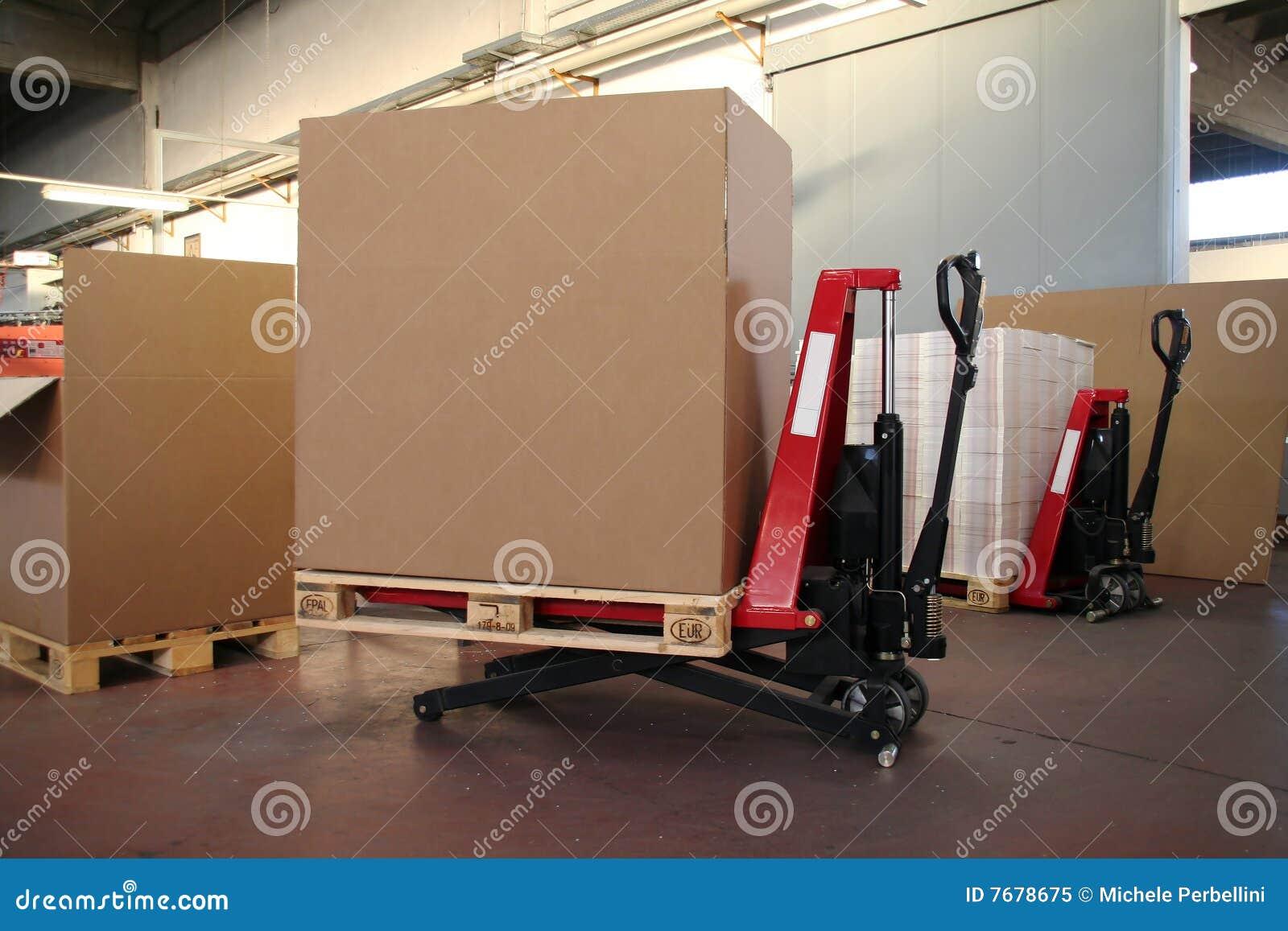 большой подъем коробок