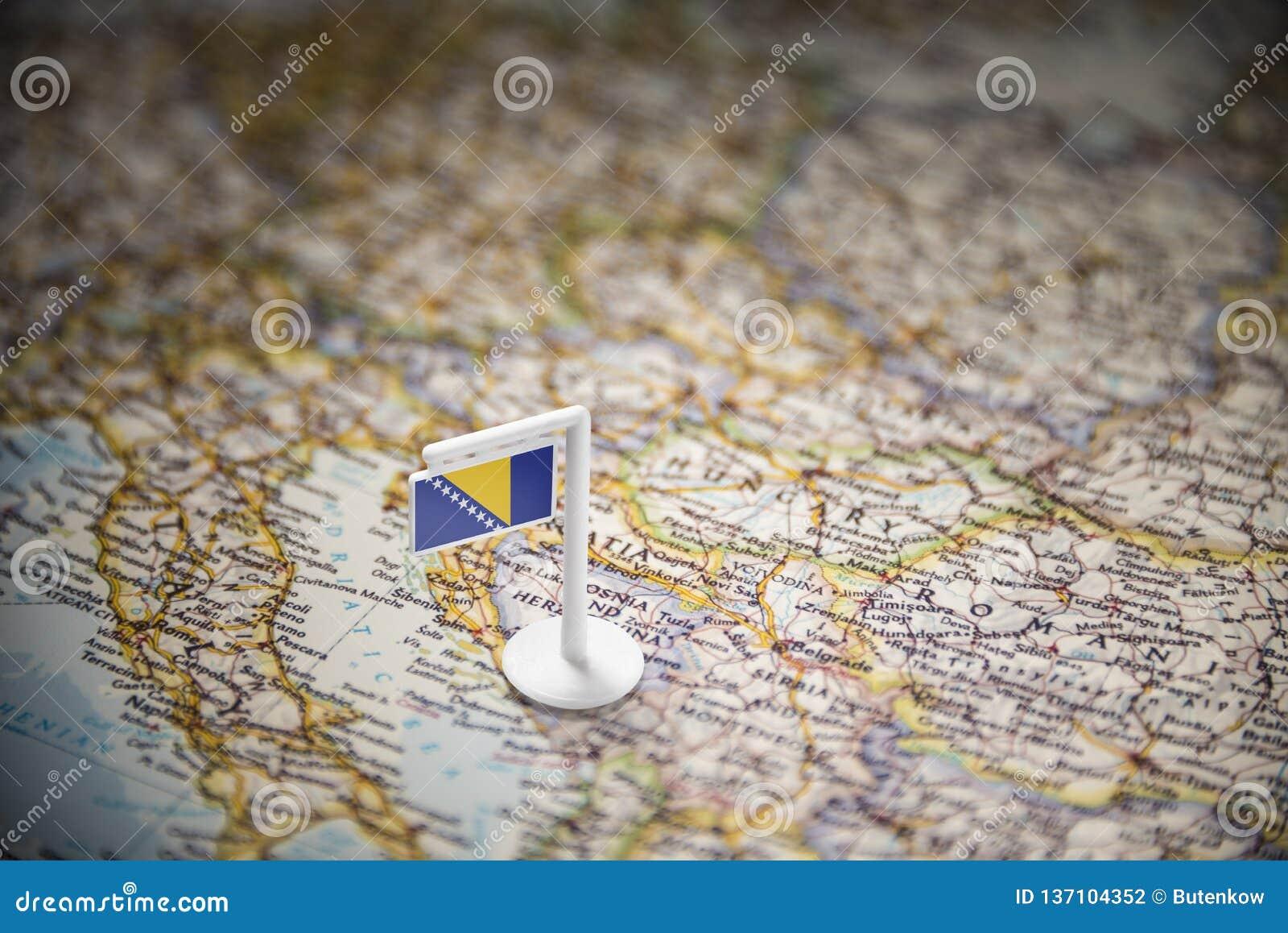 Босния и Герцеговина отметила с флагом на карте