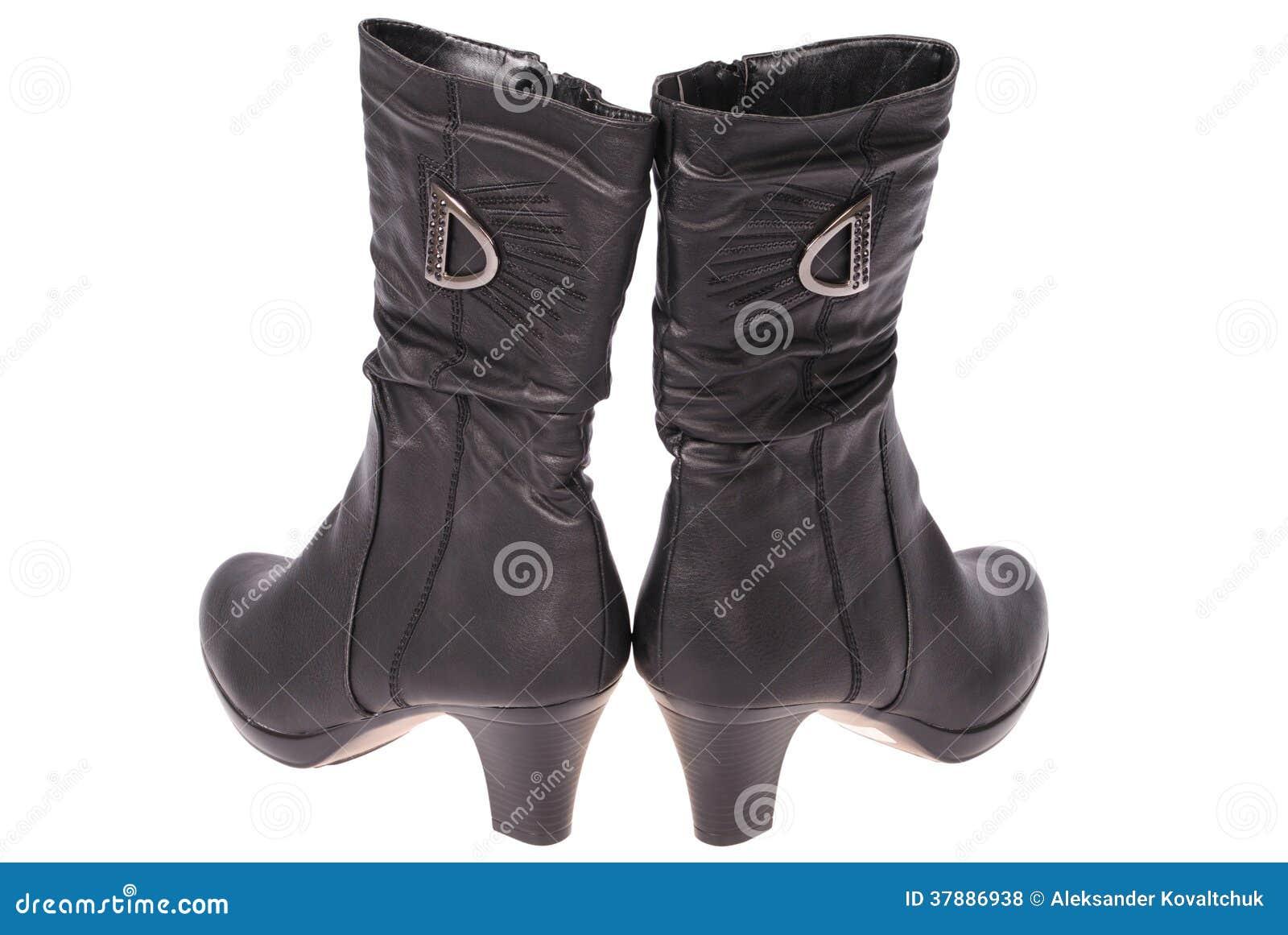 Ботинки женщин (путь клиппирования)