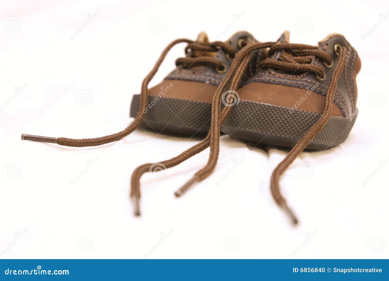 ботинки младенца белые