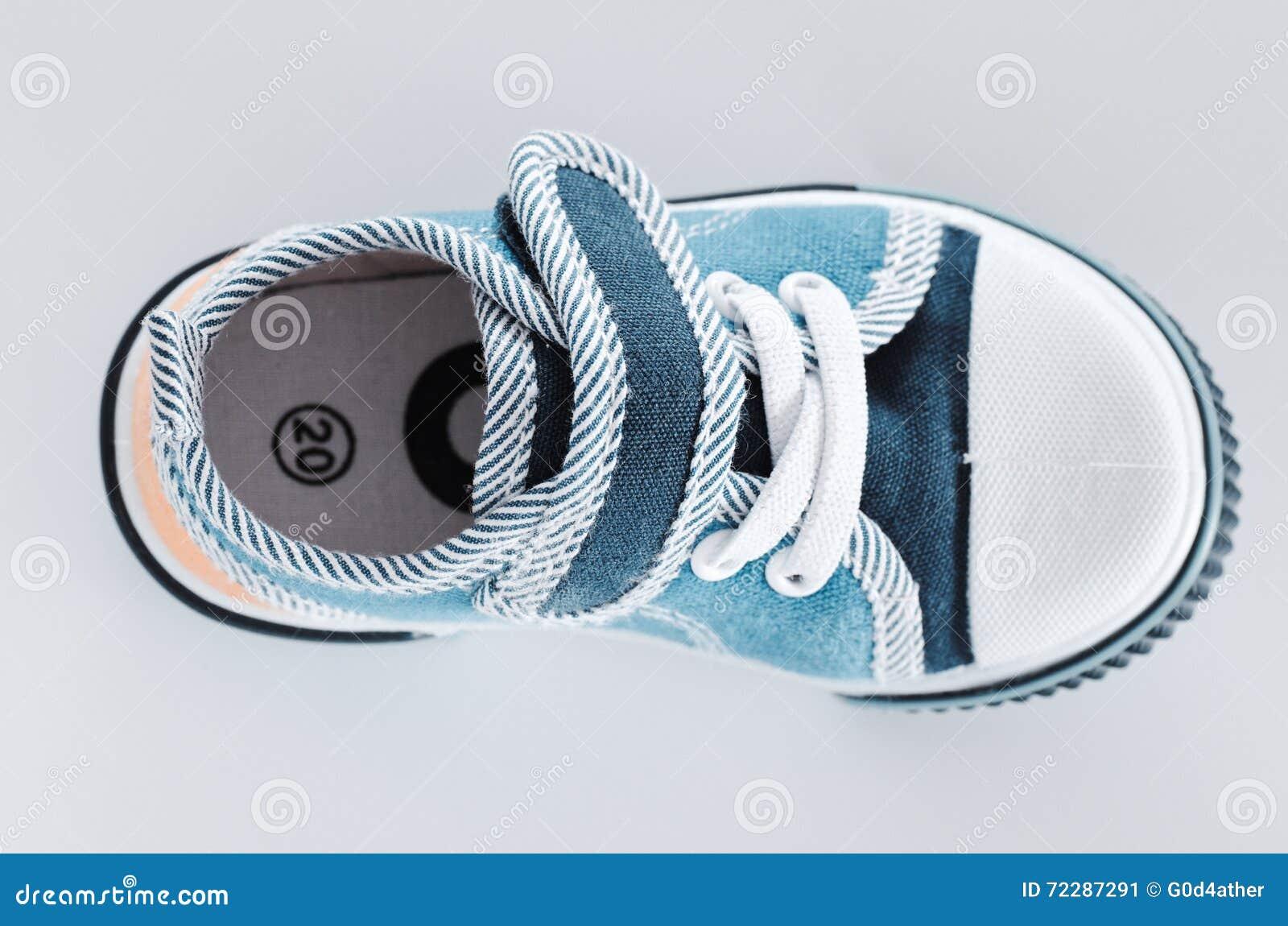 Download ботинок стоковое изображение. изображение насчитывающей backhoe - 72287291