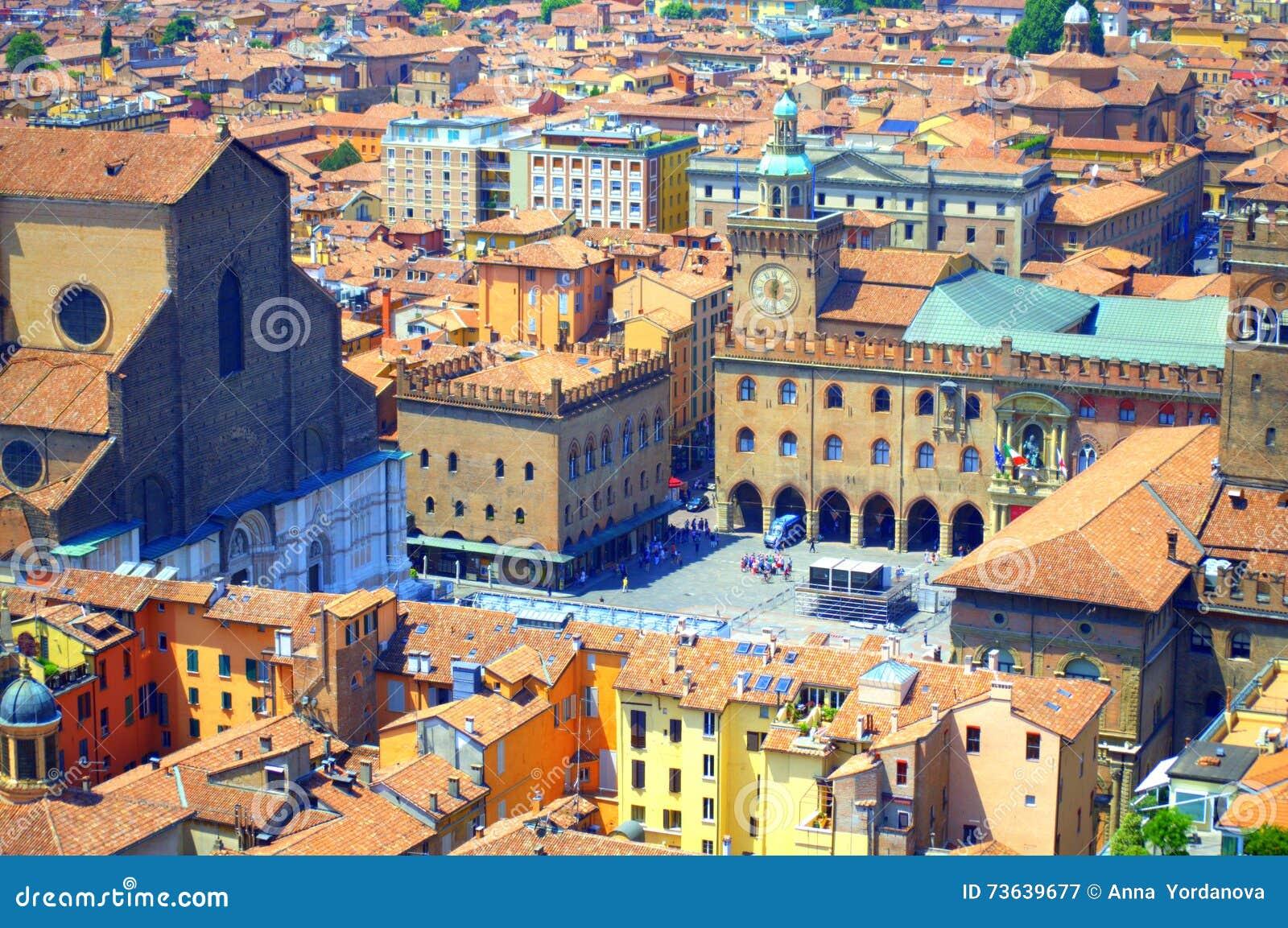 Болонья Италия Maggiore аркады