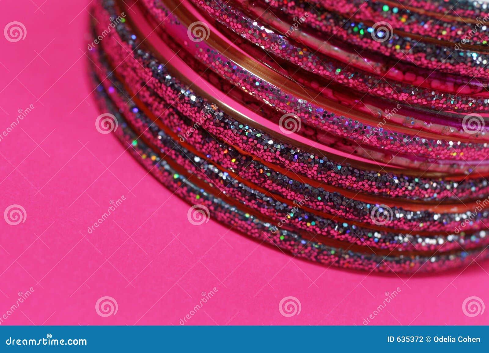 Download браслеты индийские стоковое фото. изображение насчитывающей драгоценности - 635372