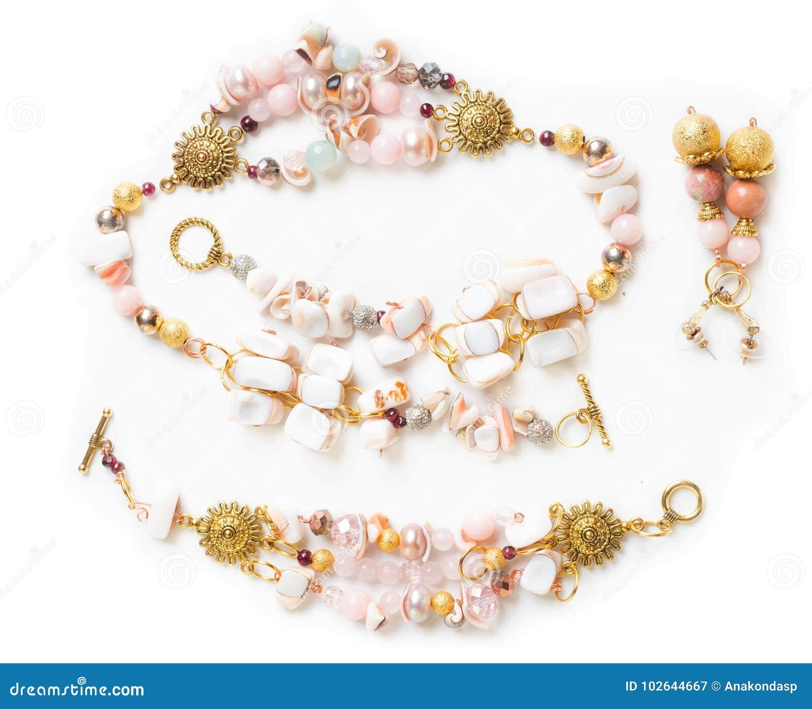 Браслет и ожерелье золота с жемчугами и розовыми кварцем и earr