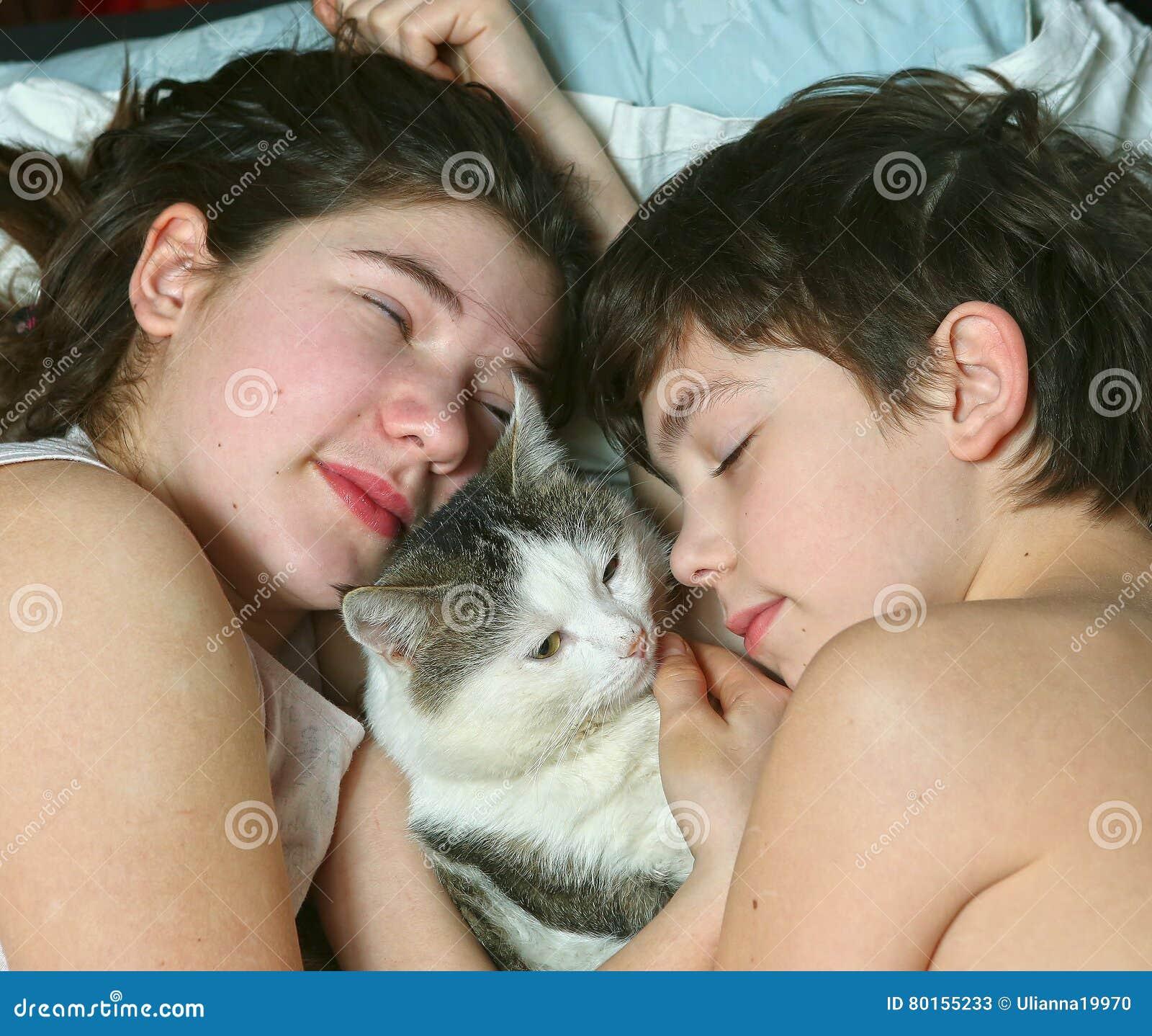 Мы вместе как спим фото сестрой видео с и