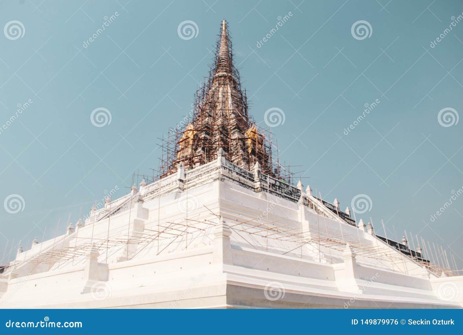 Буддийский висок в Бангкоке, Таиланде