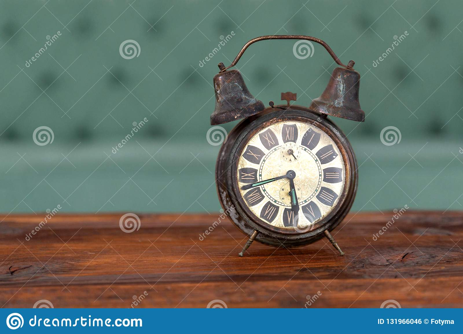 будильник ретро