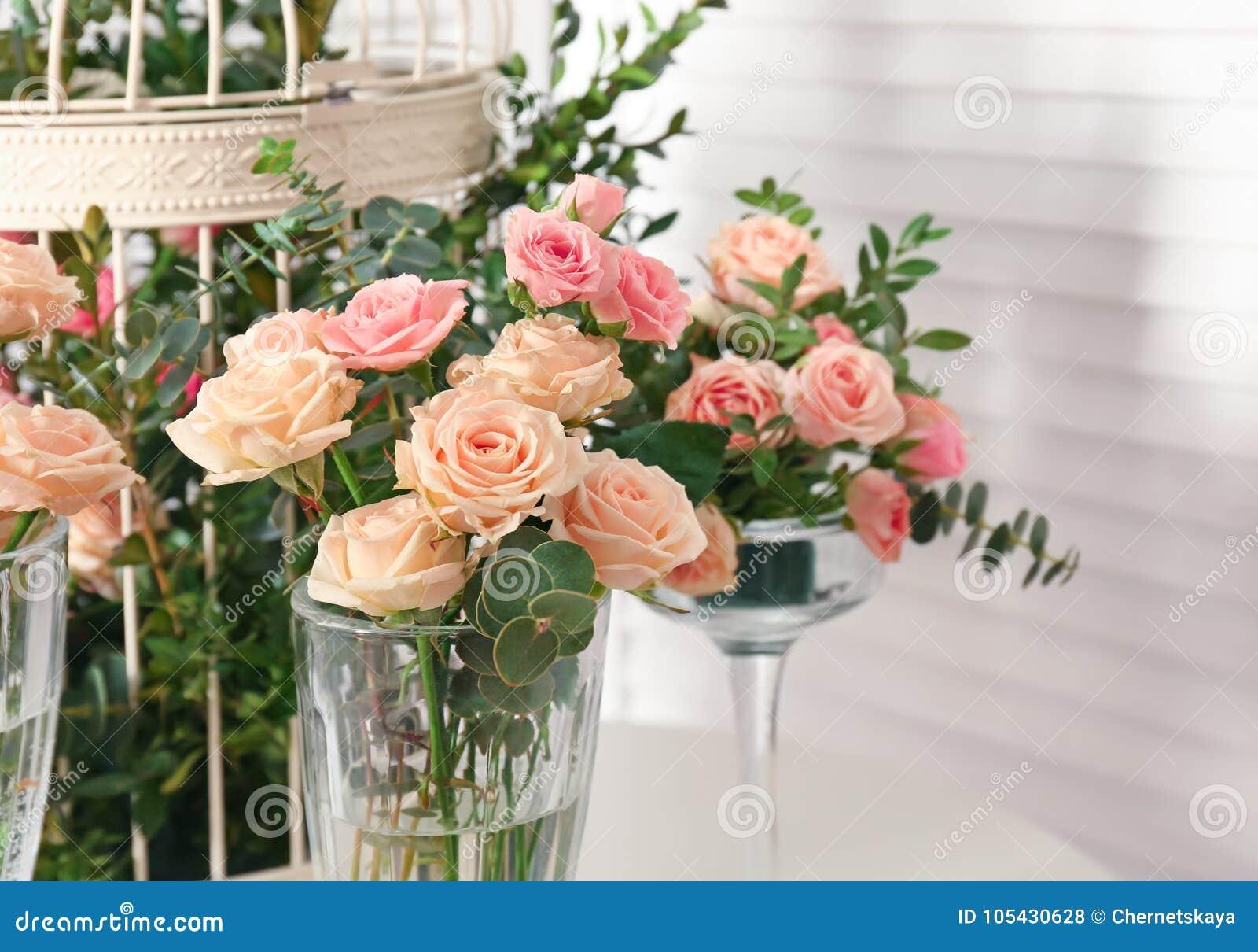 Оформить в букет розы — photo 14