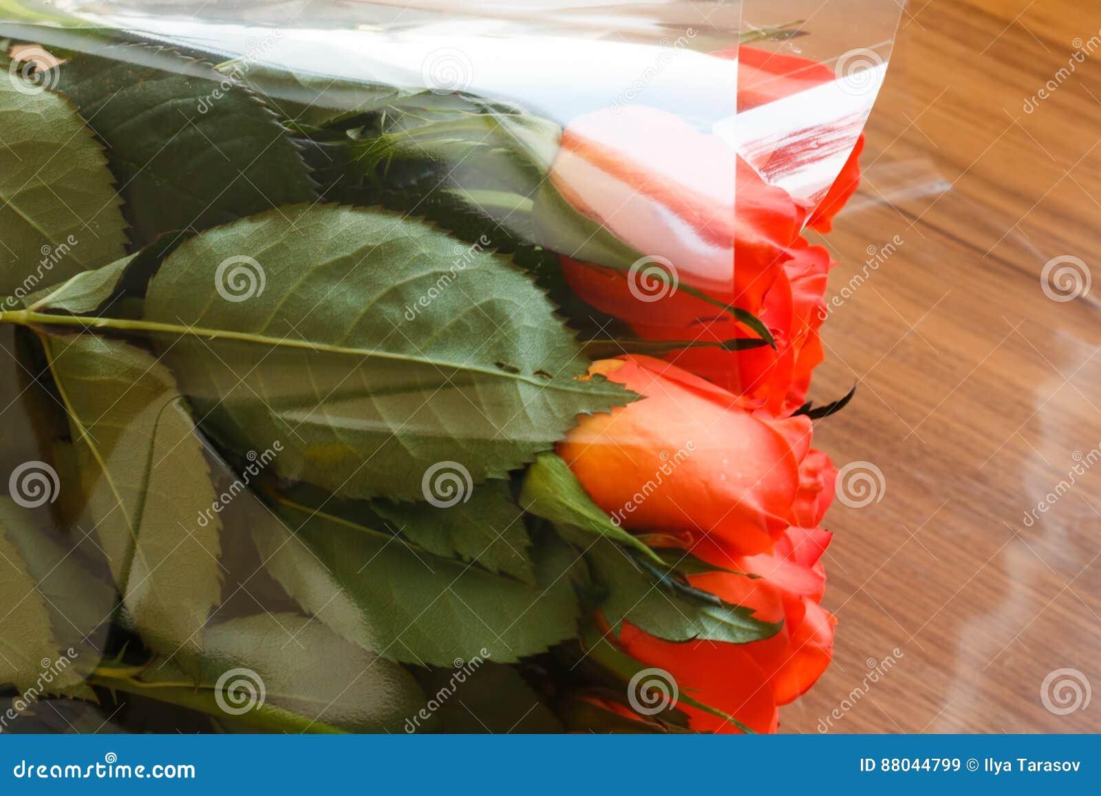 Цветов дзержинском букет на стол из роз
