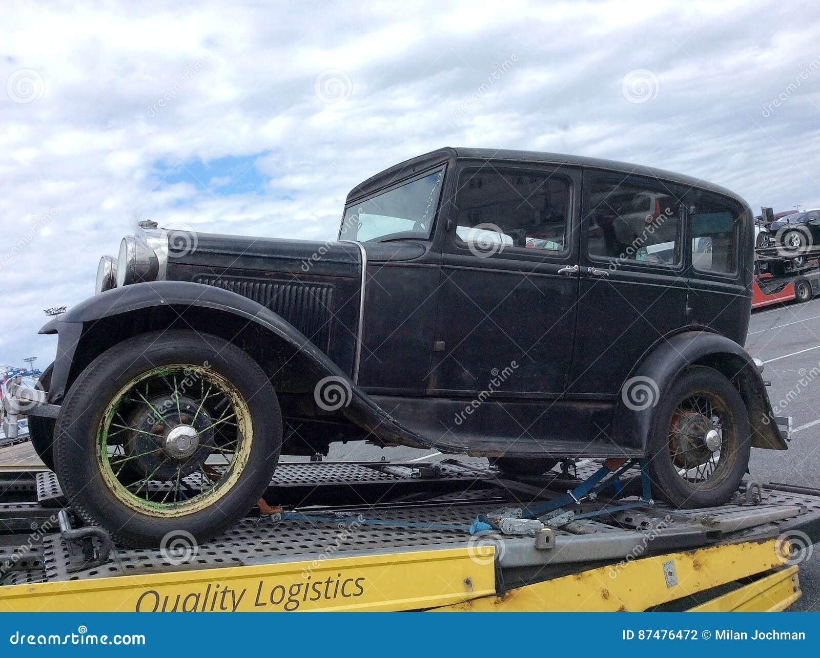 Буксировать старый автомобиль