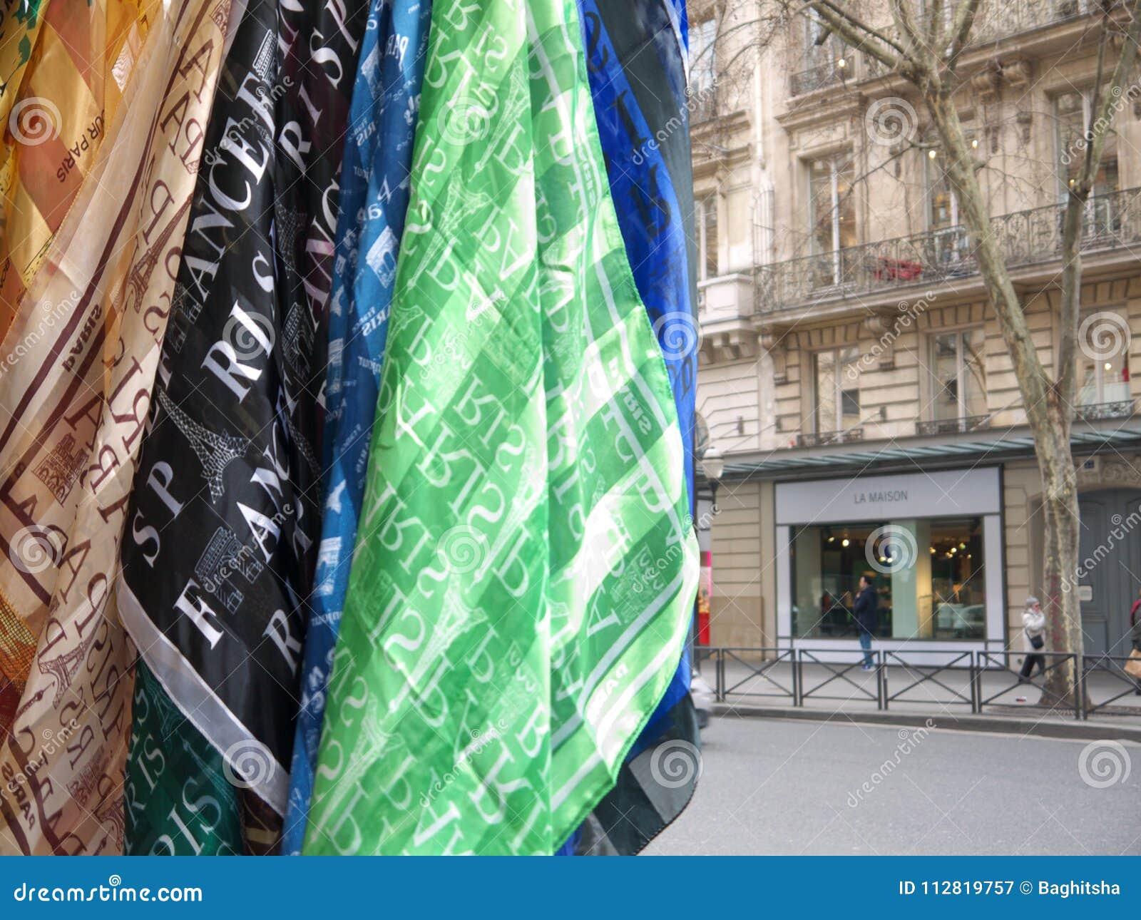 Бульвар Haussmann Париж шарфов сувенира Парижа