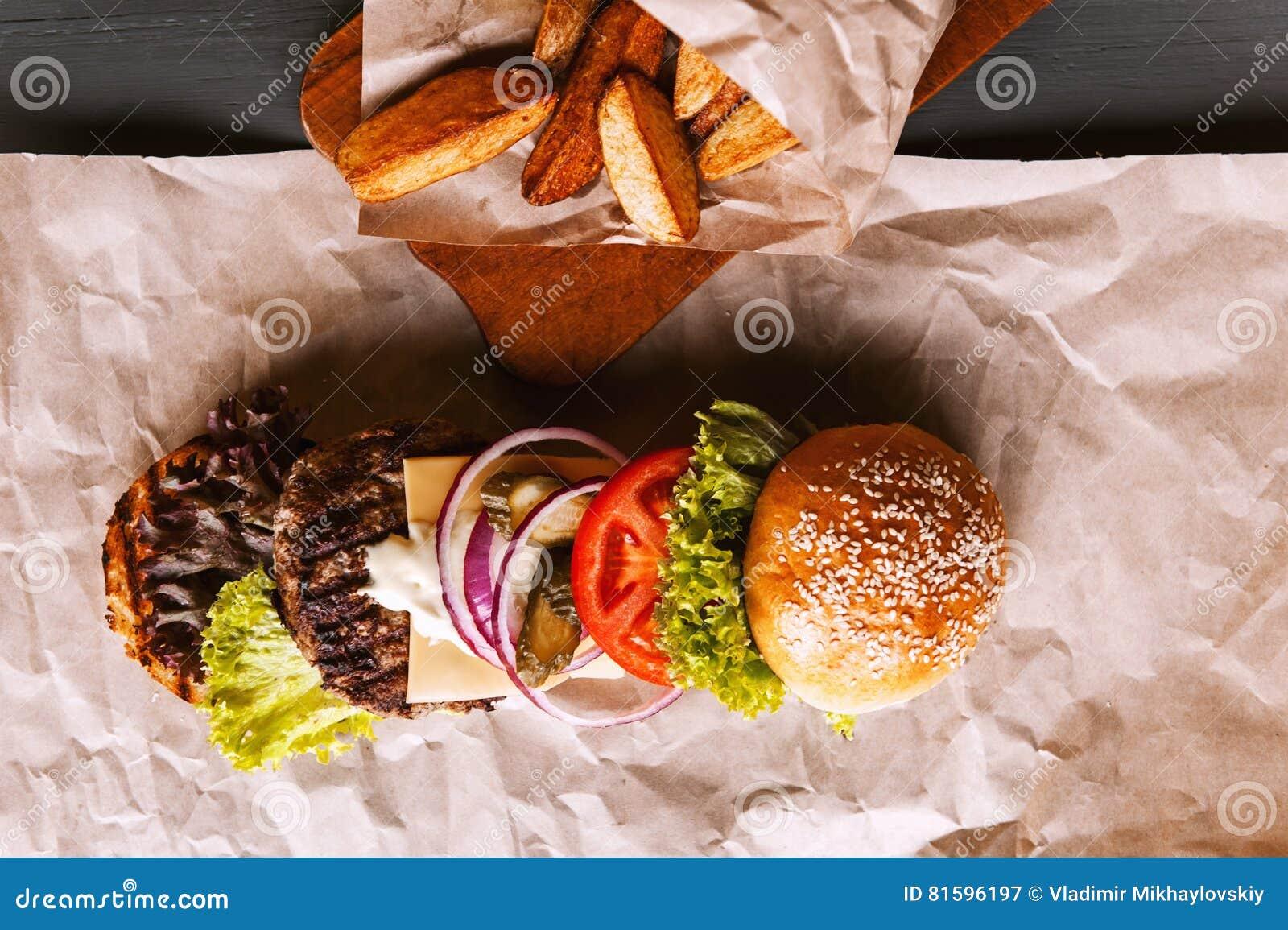 Бургер разложил в свои компоненты