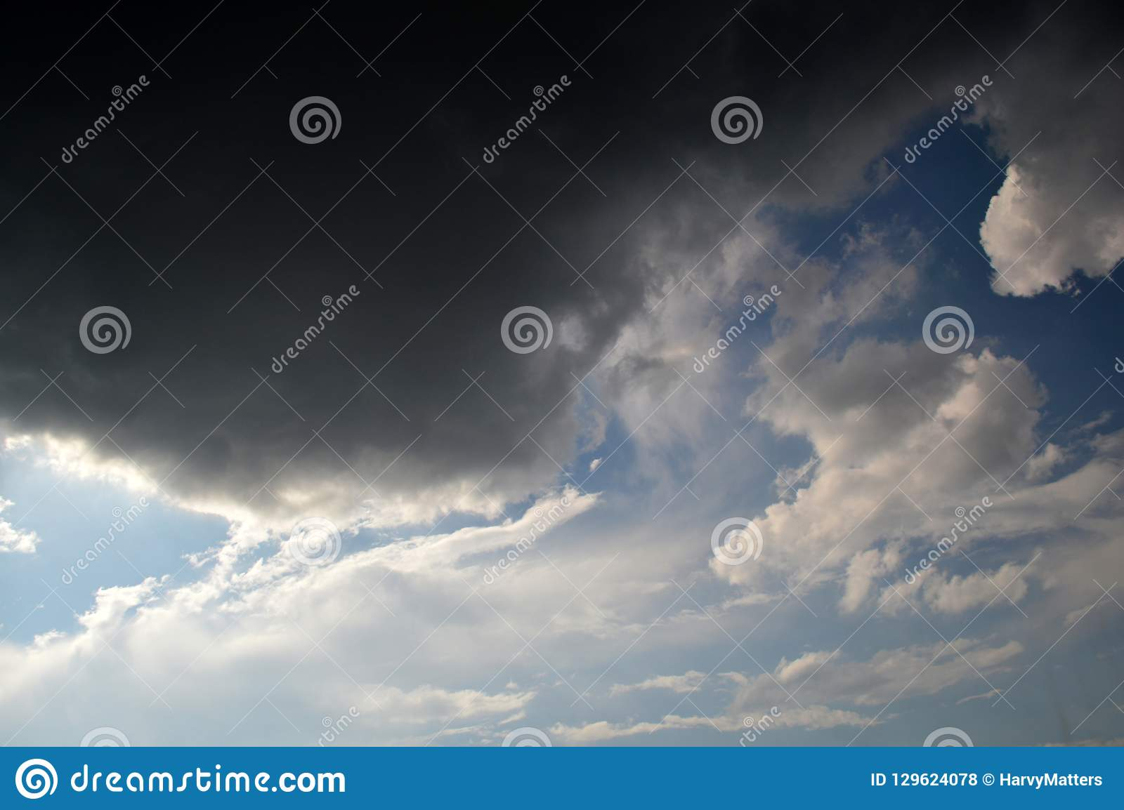 Бурные облака, оклик