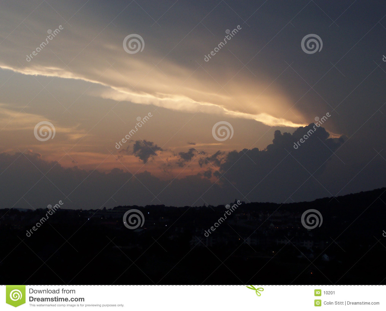бурный заход солнца
