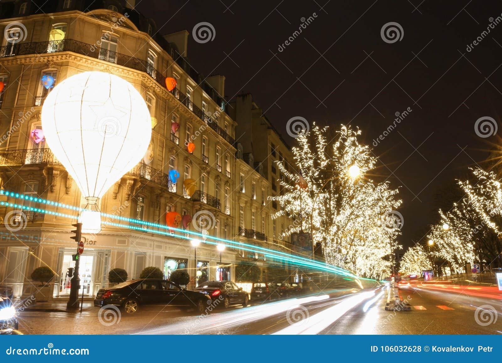 d6f750ef0aad Бутик Dior украшенное для рождества, Парижа, Франции Редакционное ...