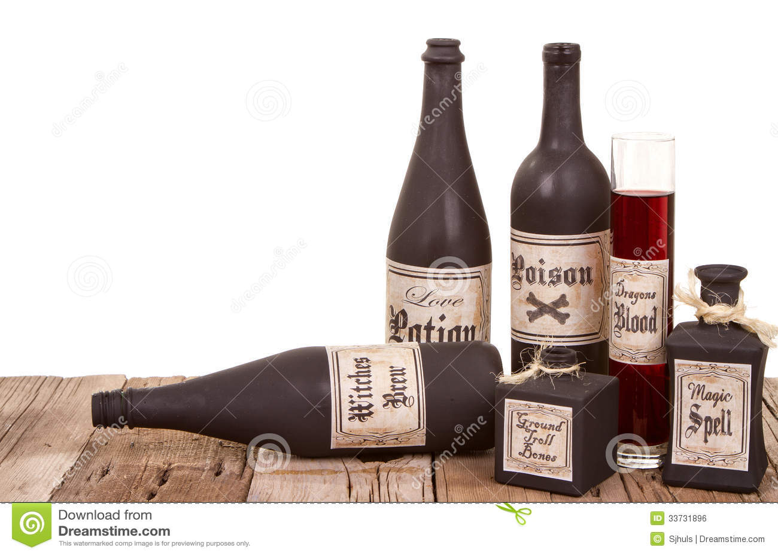 Бутылки зелья на деревянных клетях