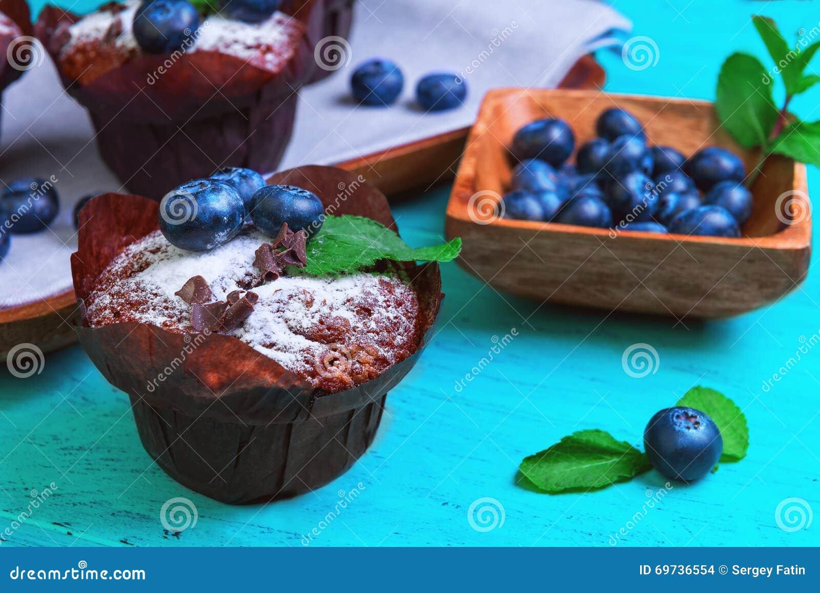 Булочки с голубикой ягод