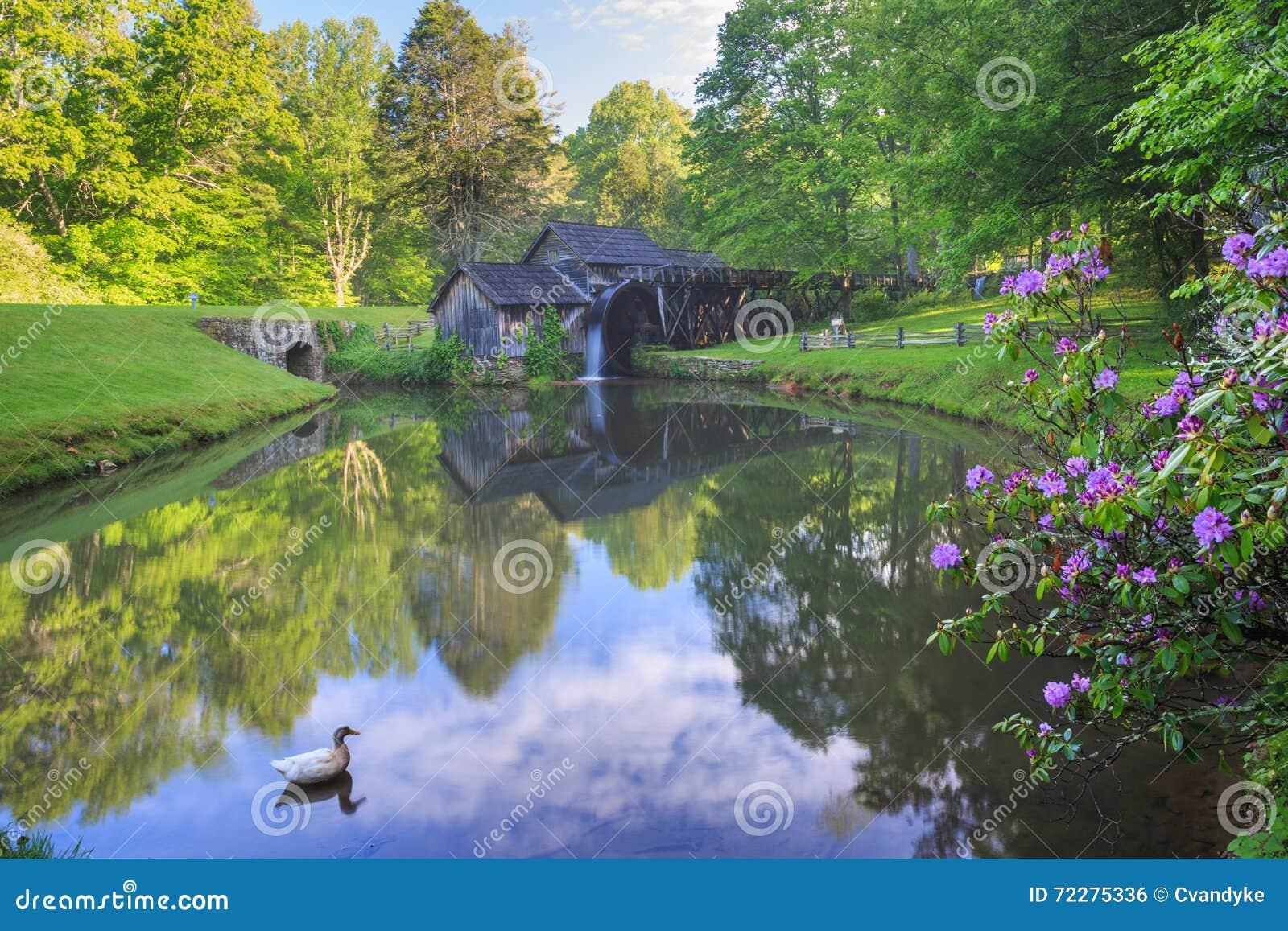 Download Бульвар Вирджиния Риджа мельницы Mabry голубой Стоковое Фото - изображение насчитывающей филировать, живописание: 72275336