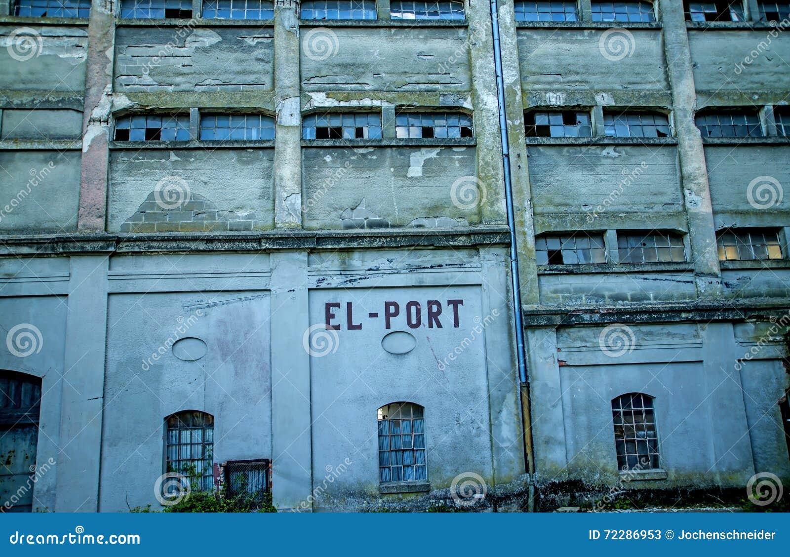 Download Бывший немецкий склад порта Стоковое Изображение - изображение насчитывающей ностальгия, бывше: 72286953