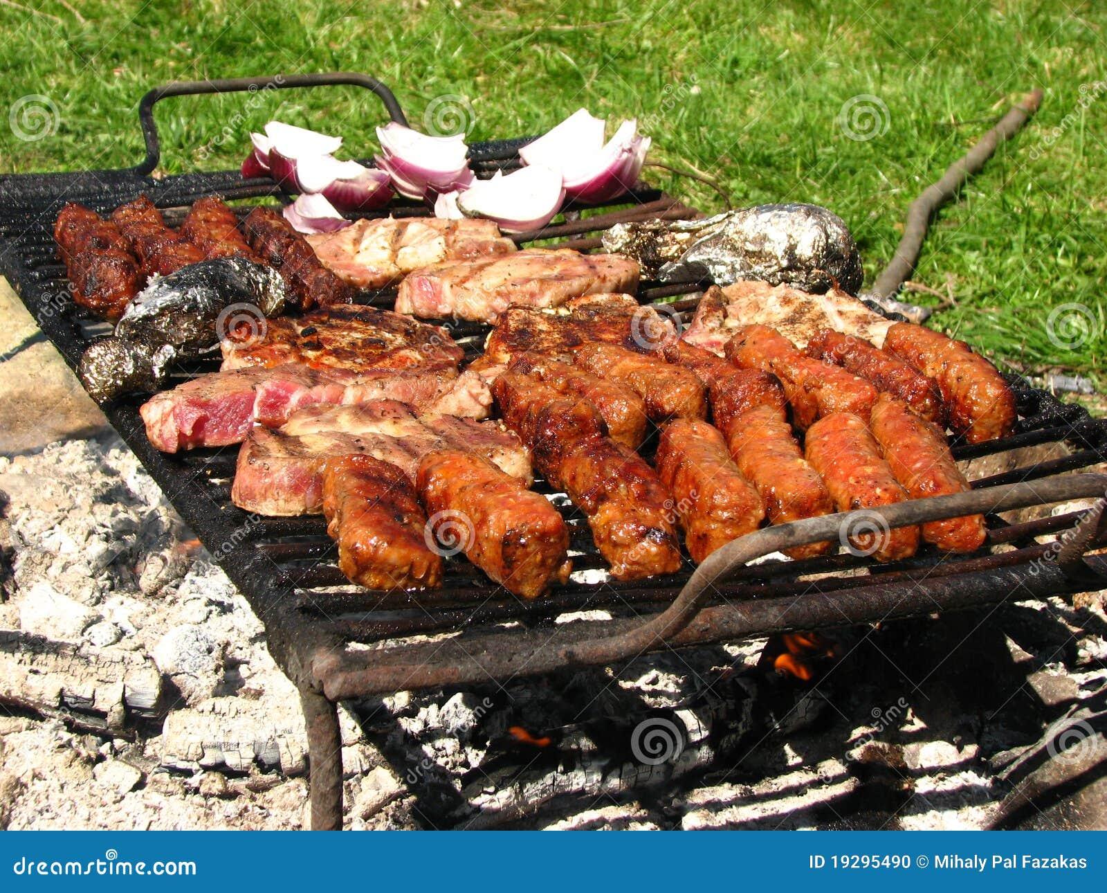 был традиционными еды подготовленные решеткой