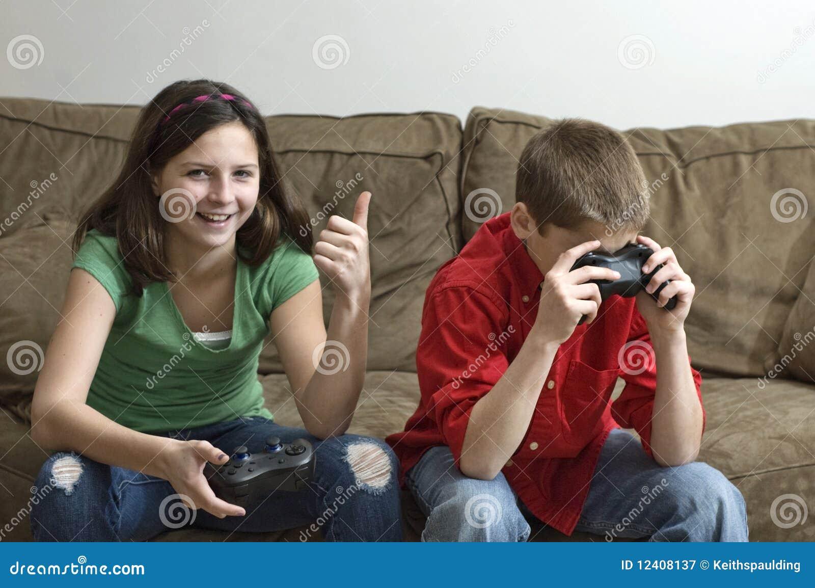 Русское брат кончил в сестру, Брат зашёл к сестре))) смотреть онлайн видео брат 22 фотография