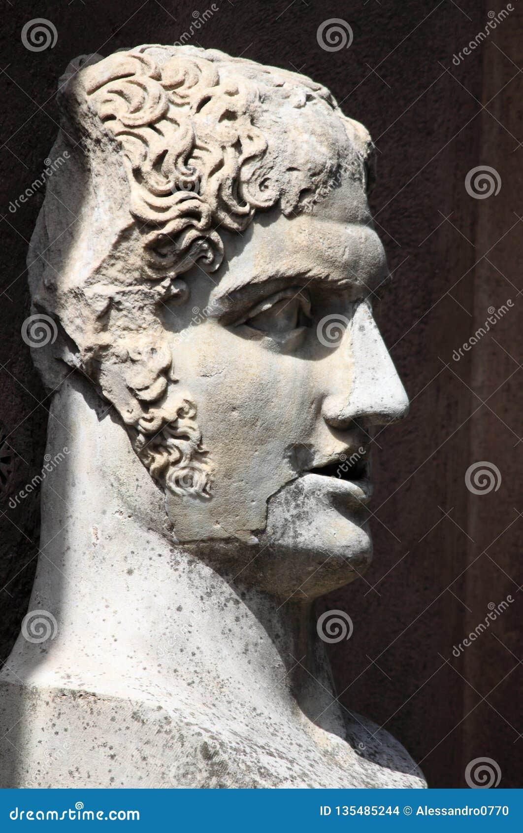 бюст римский