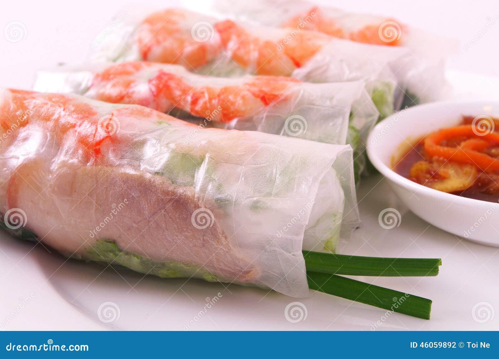 Блинчик с начинкой свинины и креветки (cuon) Goi, въетнамская кухня