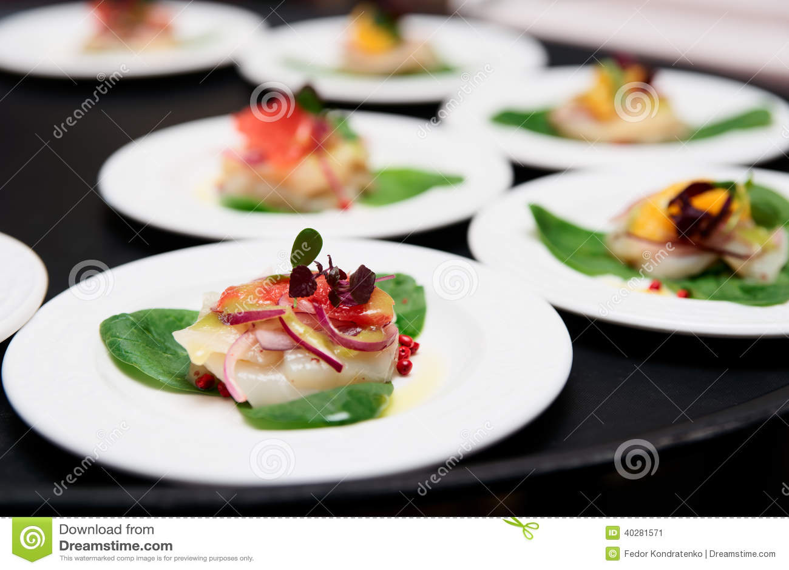 Блюда carpaccio scallop моря
