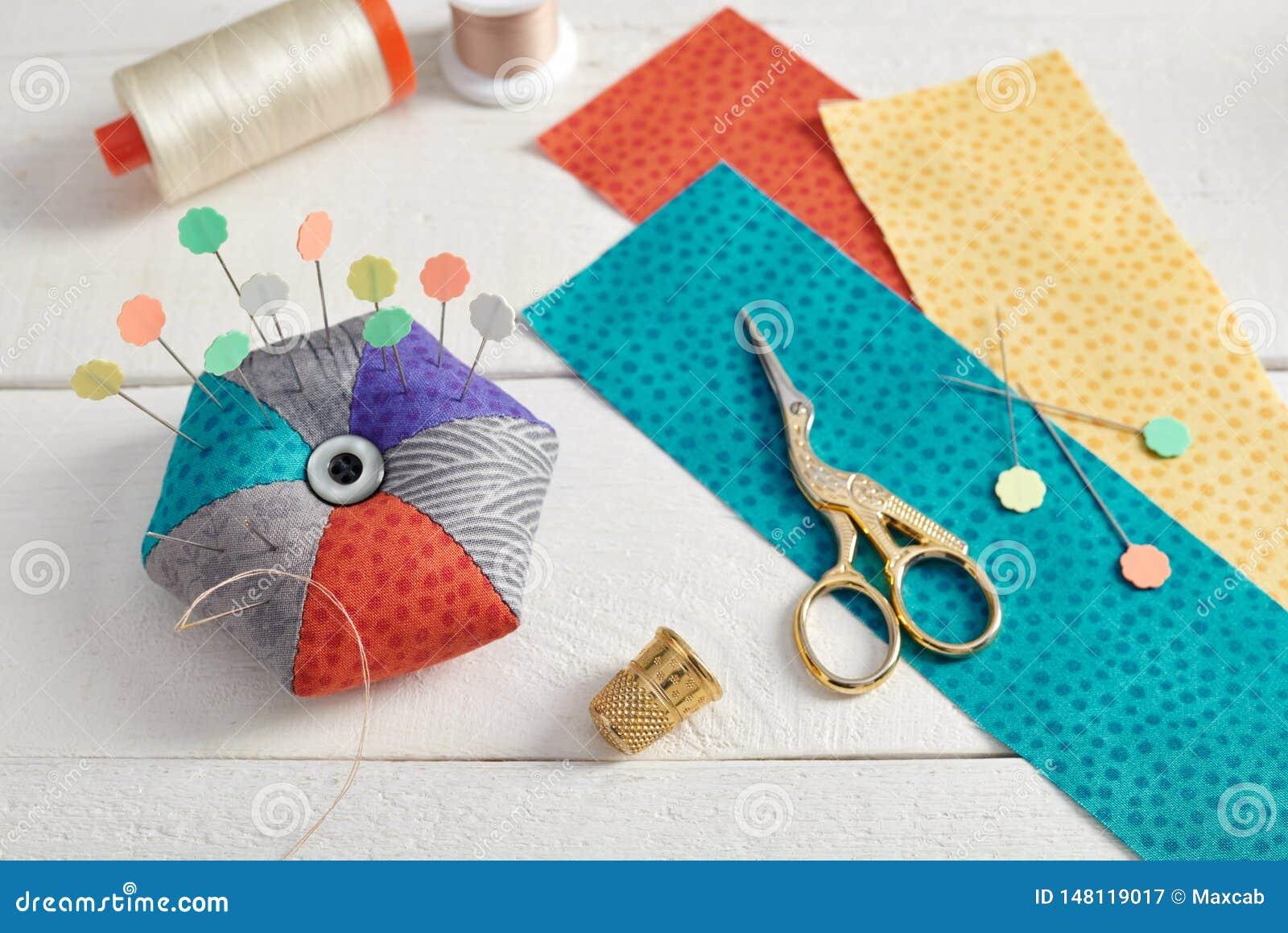 Валик Pin, ярко покрашенные прокладки ткани, шить аксессуары на ...