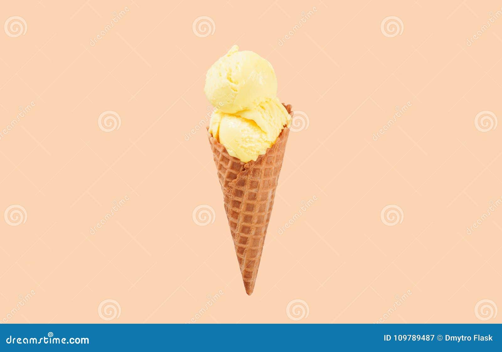 Мороженое на белом цвете