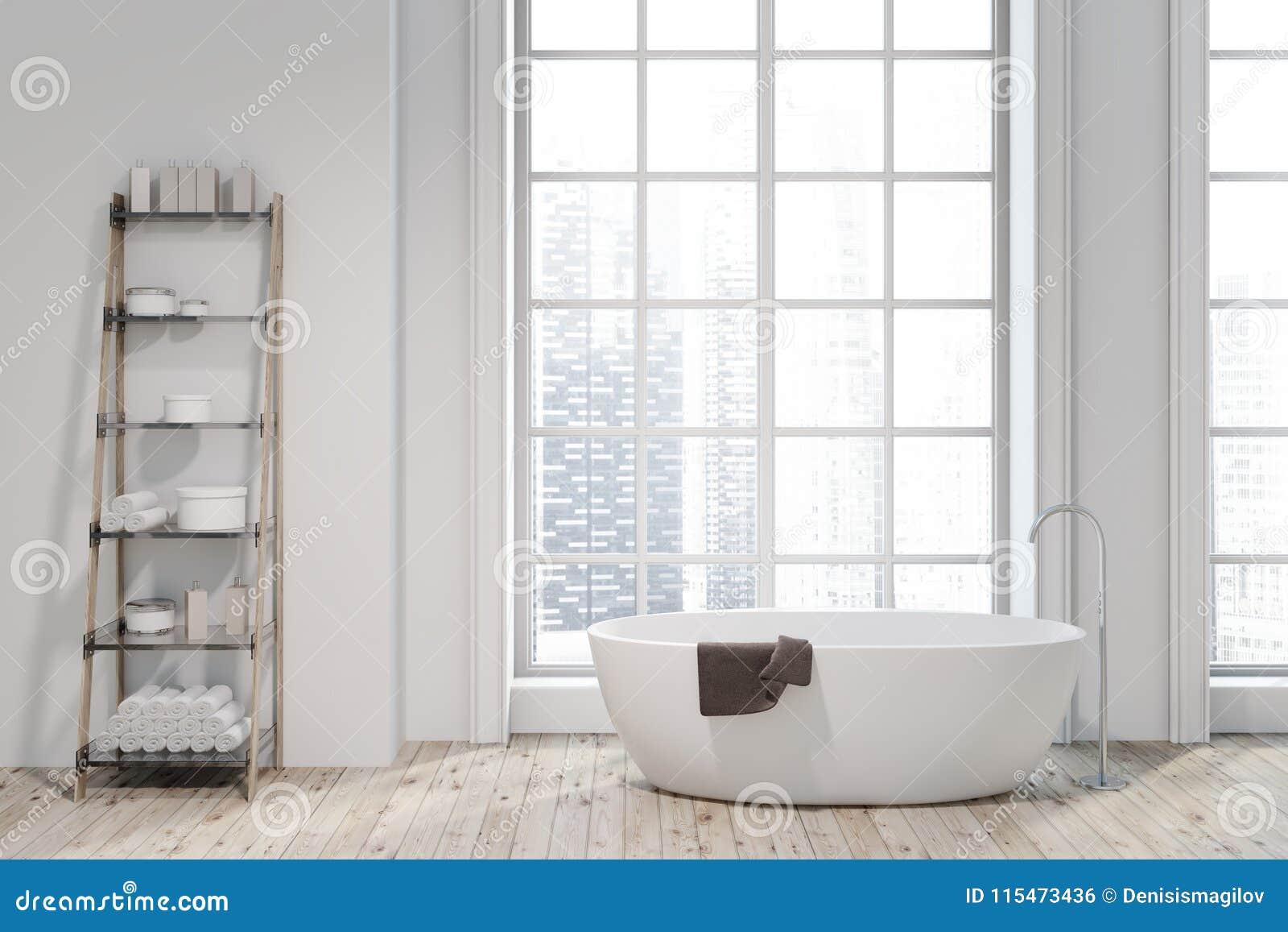 Ванная комната внутренняя, белый ушат просторной квартиры, полки