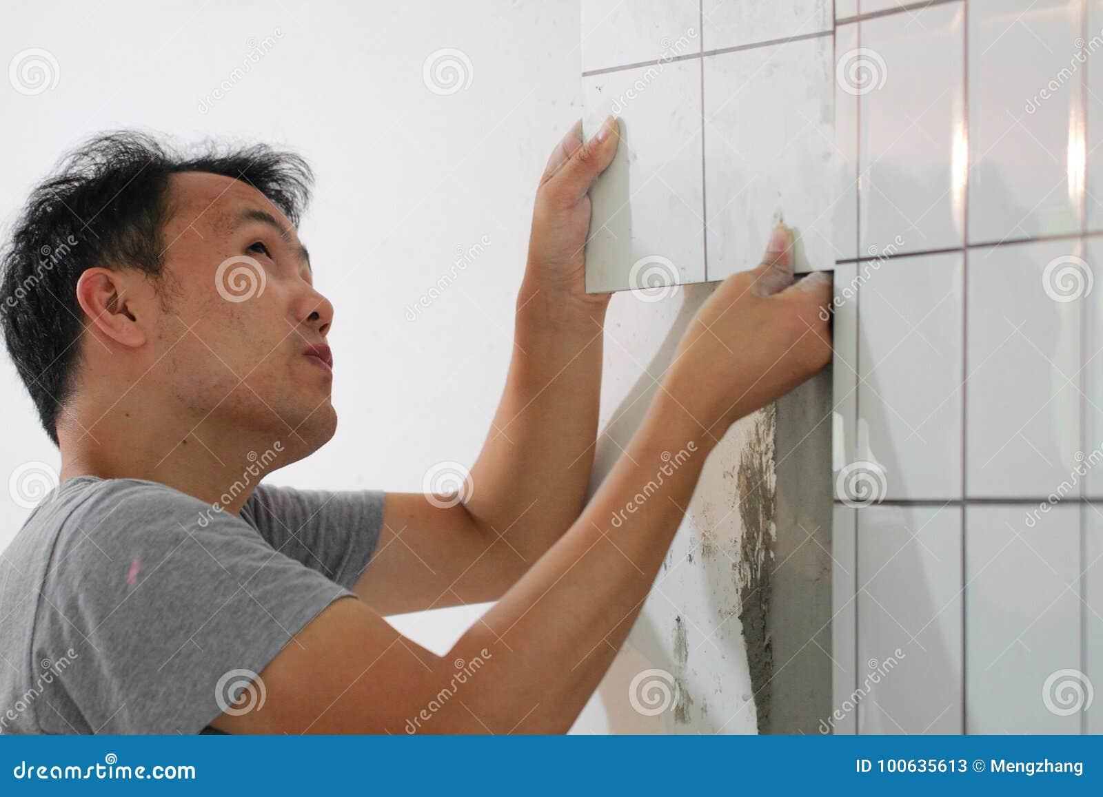 Ванная комната кроет реновацию черепицей
