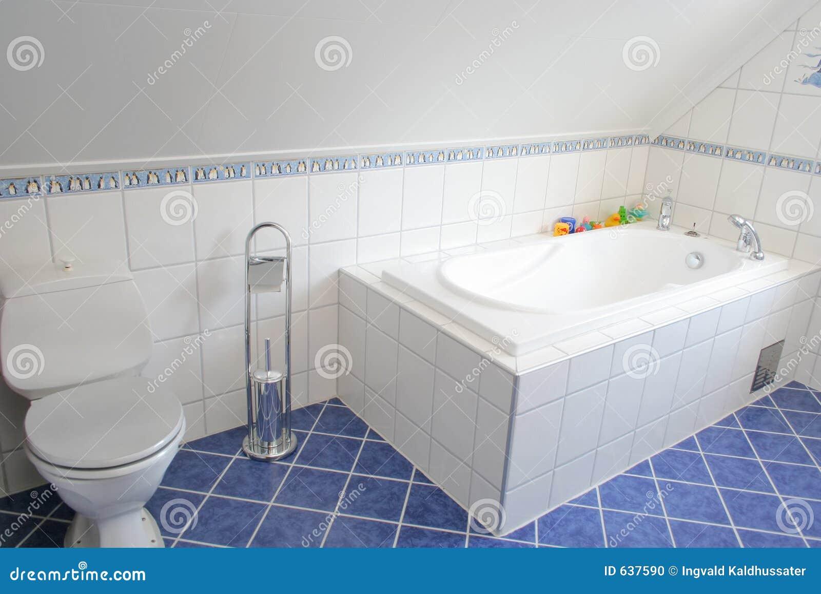 Download ванная комната стоковое фото. изображение насчитывающей спа - 637590