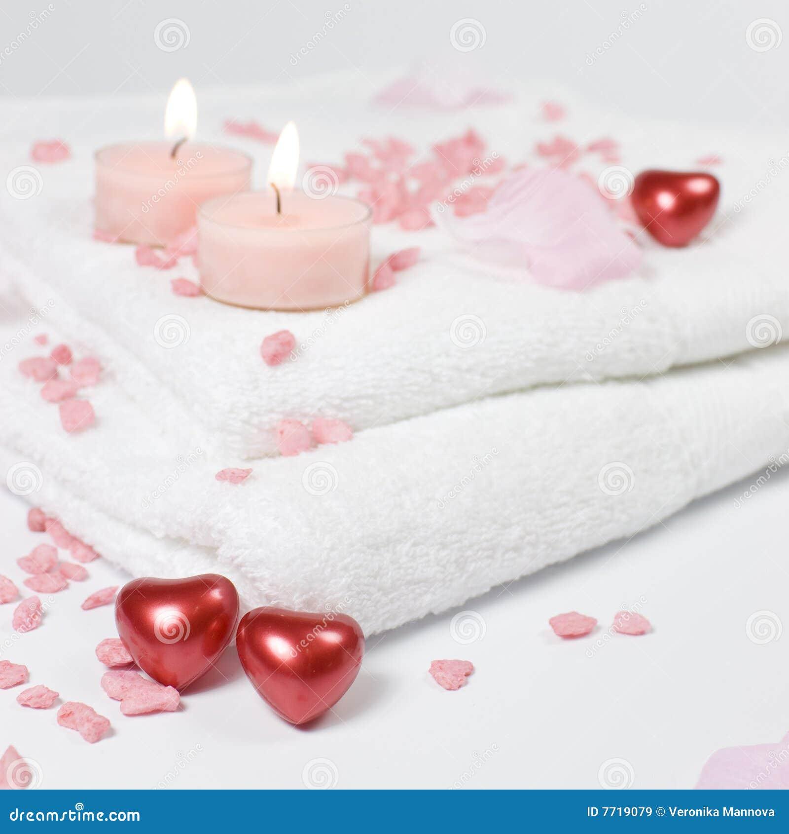 ванна миражирует влюбленность сердец