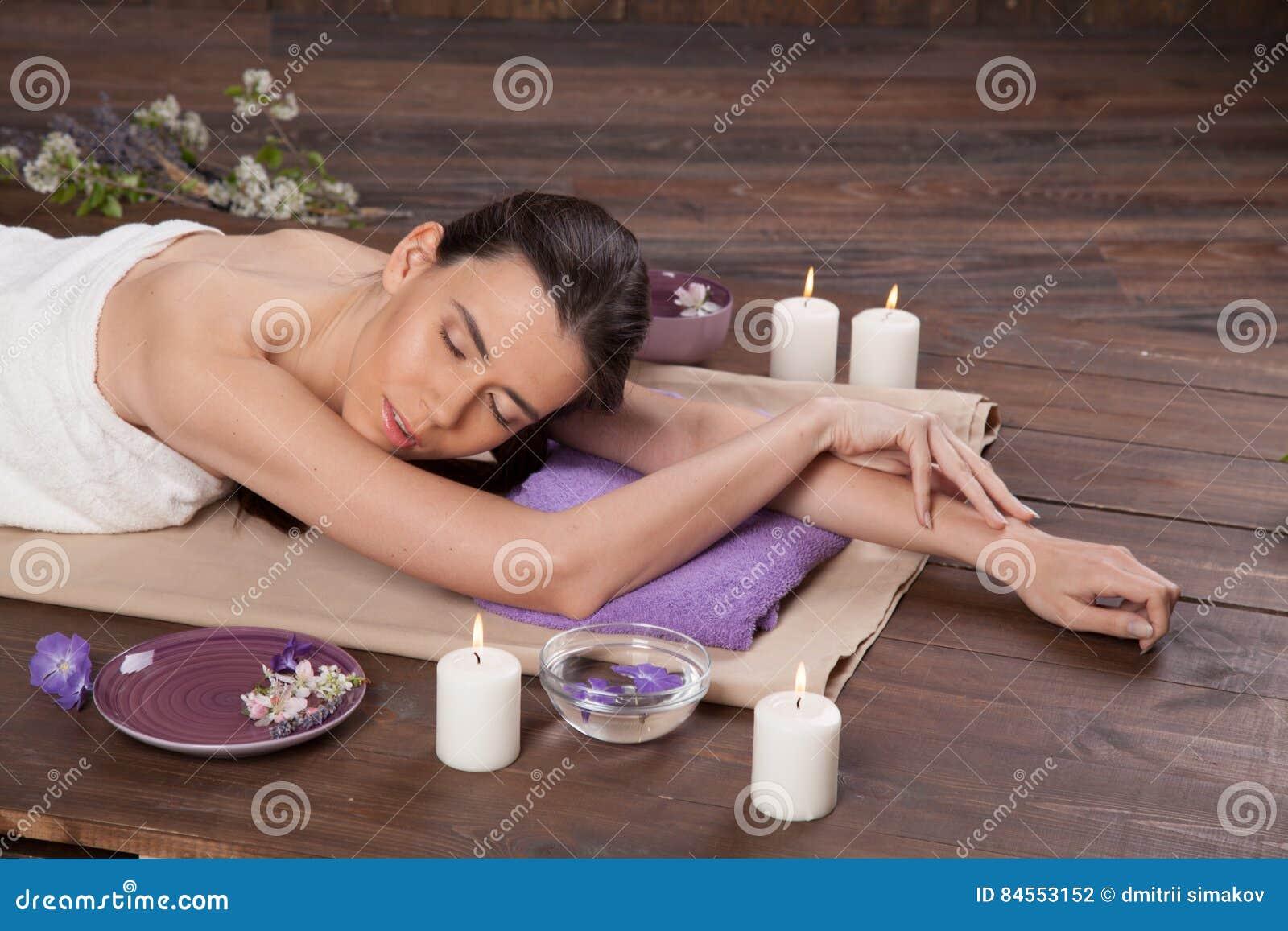 Сауна с девушками с массажем смотреть порно видео секс на массаже