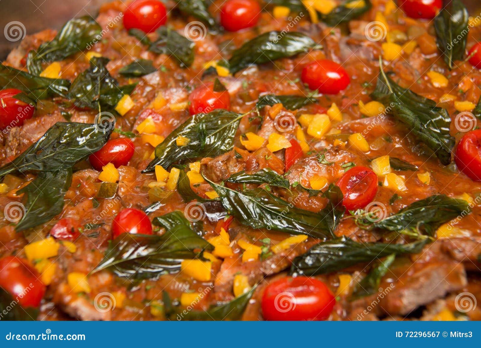 Download Варить травы, специи, предпосылка овощей Стоковое Изображение - изображение насчитывающей basilio, brougham: 72296567
