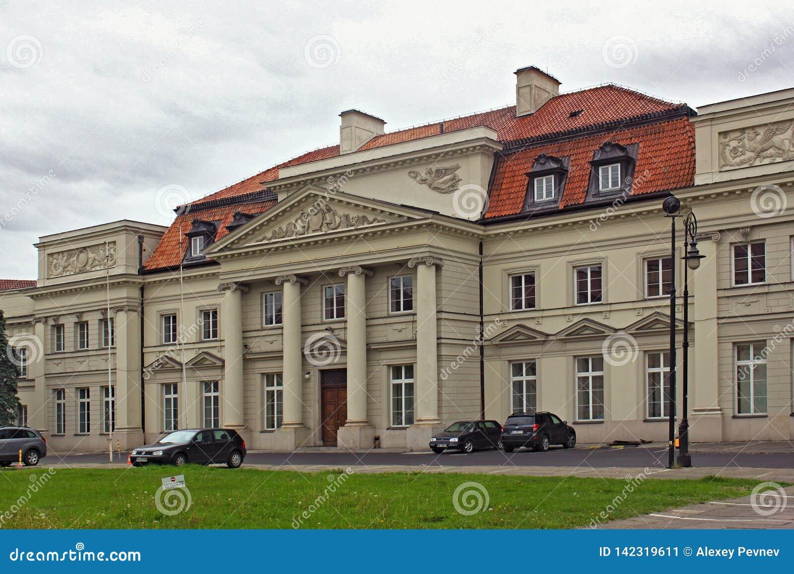 ВАРШАВА, ПОЛЬША - 12-ОЕ МАЯ 2012: Взгляд дворца приматов