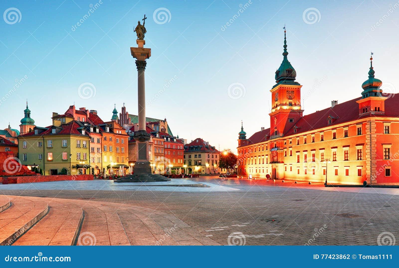 Варшава, старая городская площадь на ноче, Польша, никто