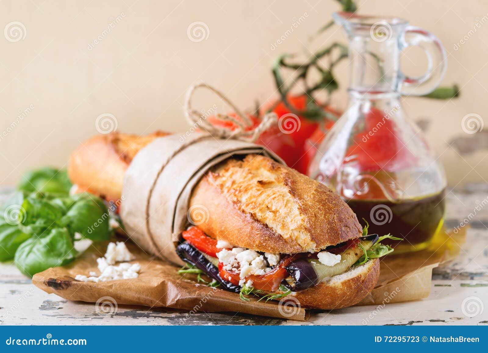 Download Вегетарианский сандвич багета Стоковое Изображение - изображение насчитывающей перец, сыр: 72295723