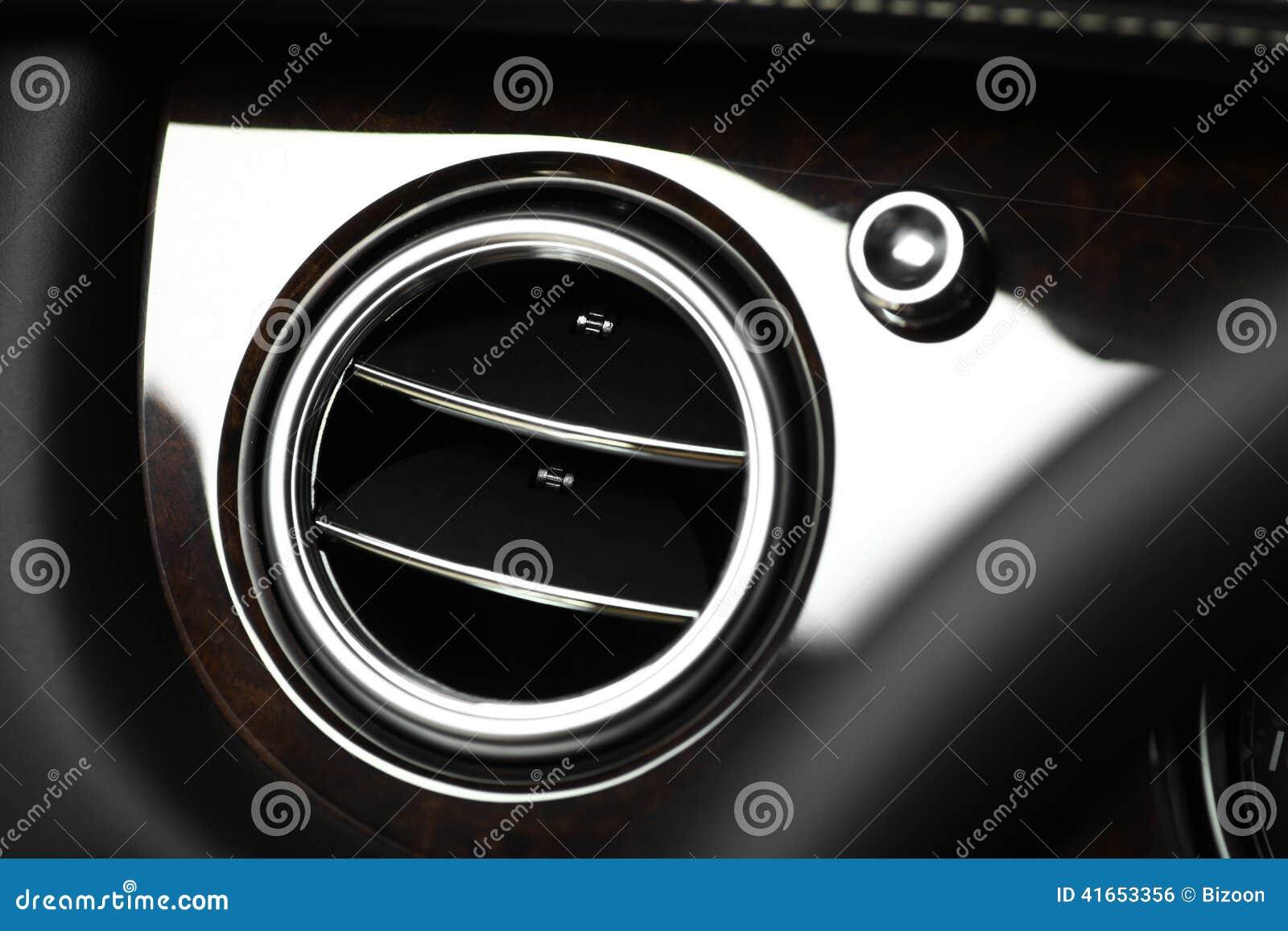 Вентиляционное отверстие автомобиля