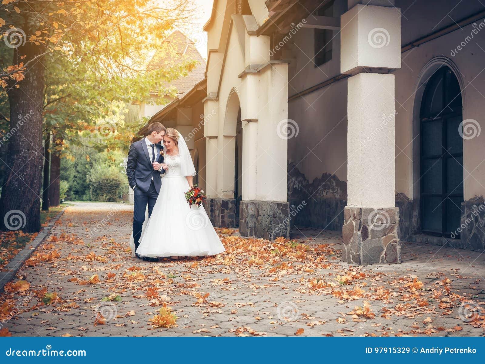 венчание groom дня невесты