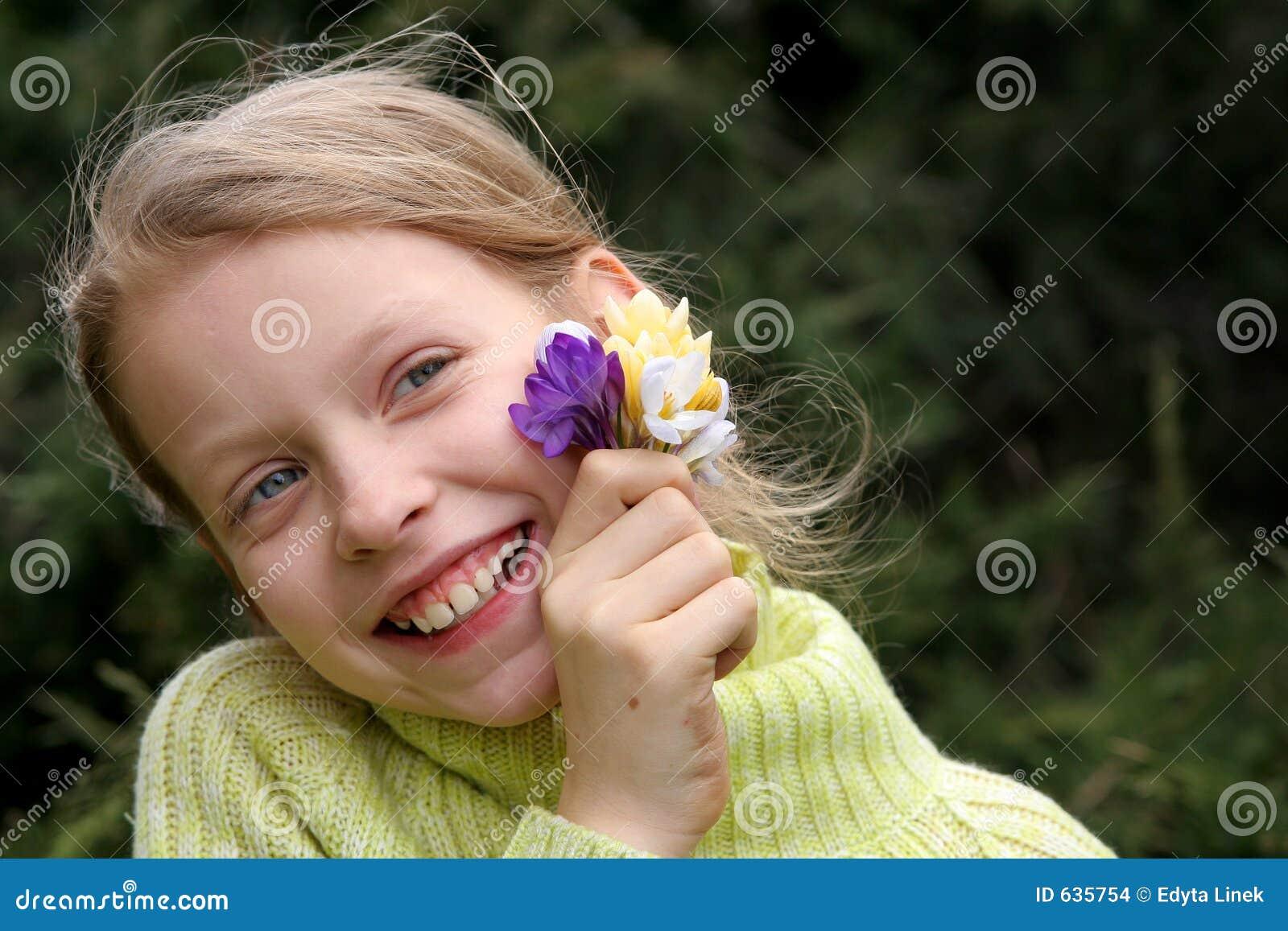 Download весна настроения стоковое фото. изображение насчитывающей девушка - 635754