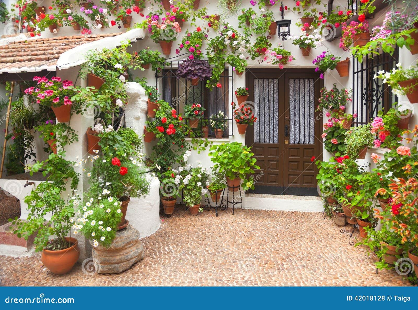 Весна цветет украшение старого дома, Испании, Европы