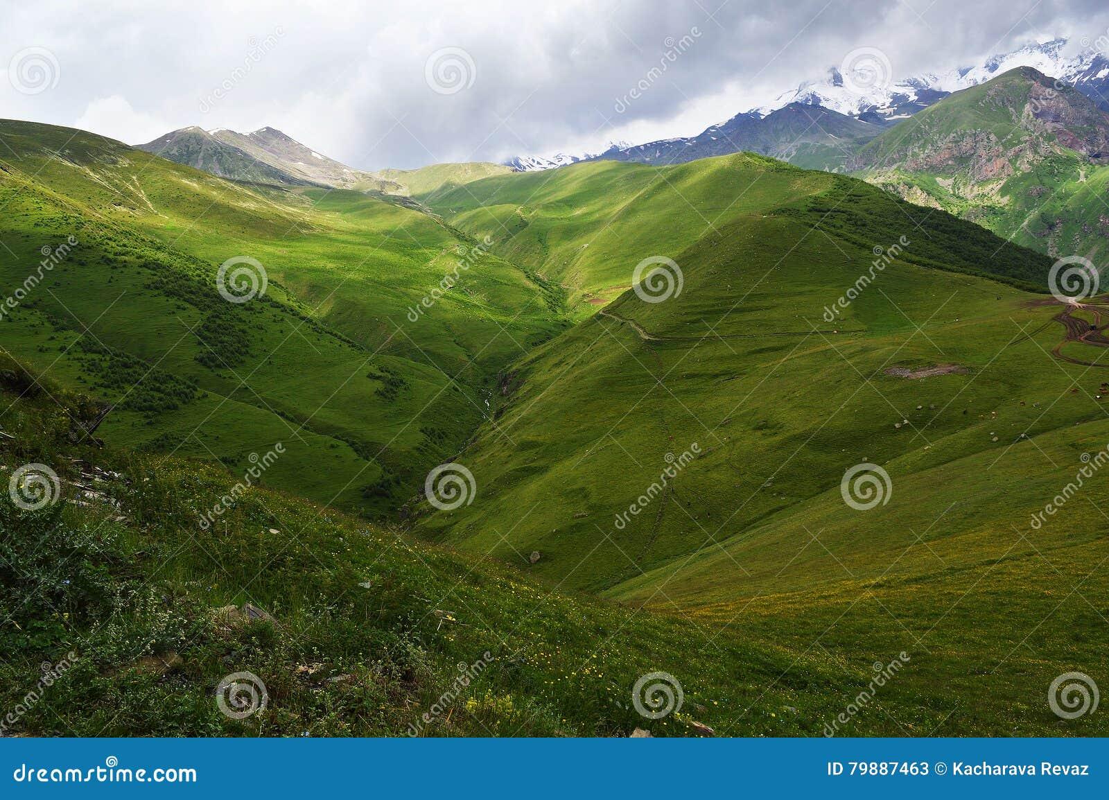 великолепие гор Кавказа