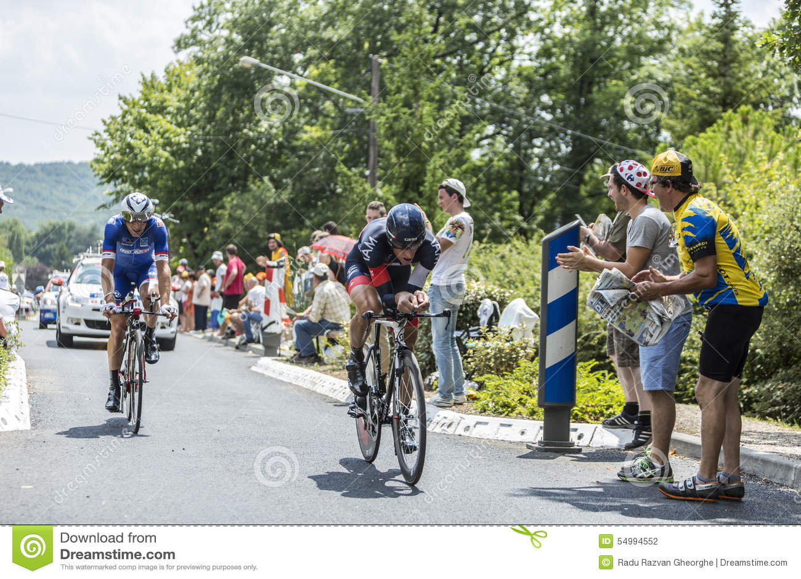 2 велосипедист во время следа времени - Тур-де-Франс 2014