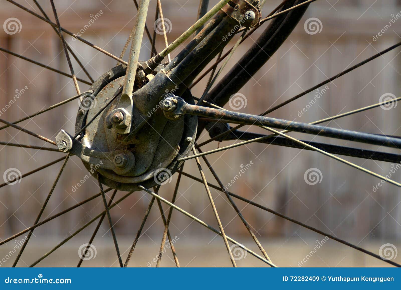 Download Велосипед колеса стоковое изображение. изображение насчитывающей деталь - 72282409