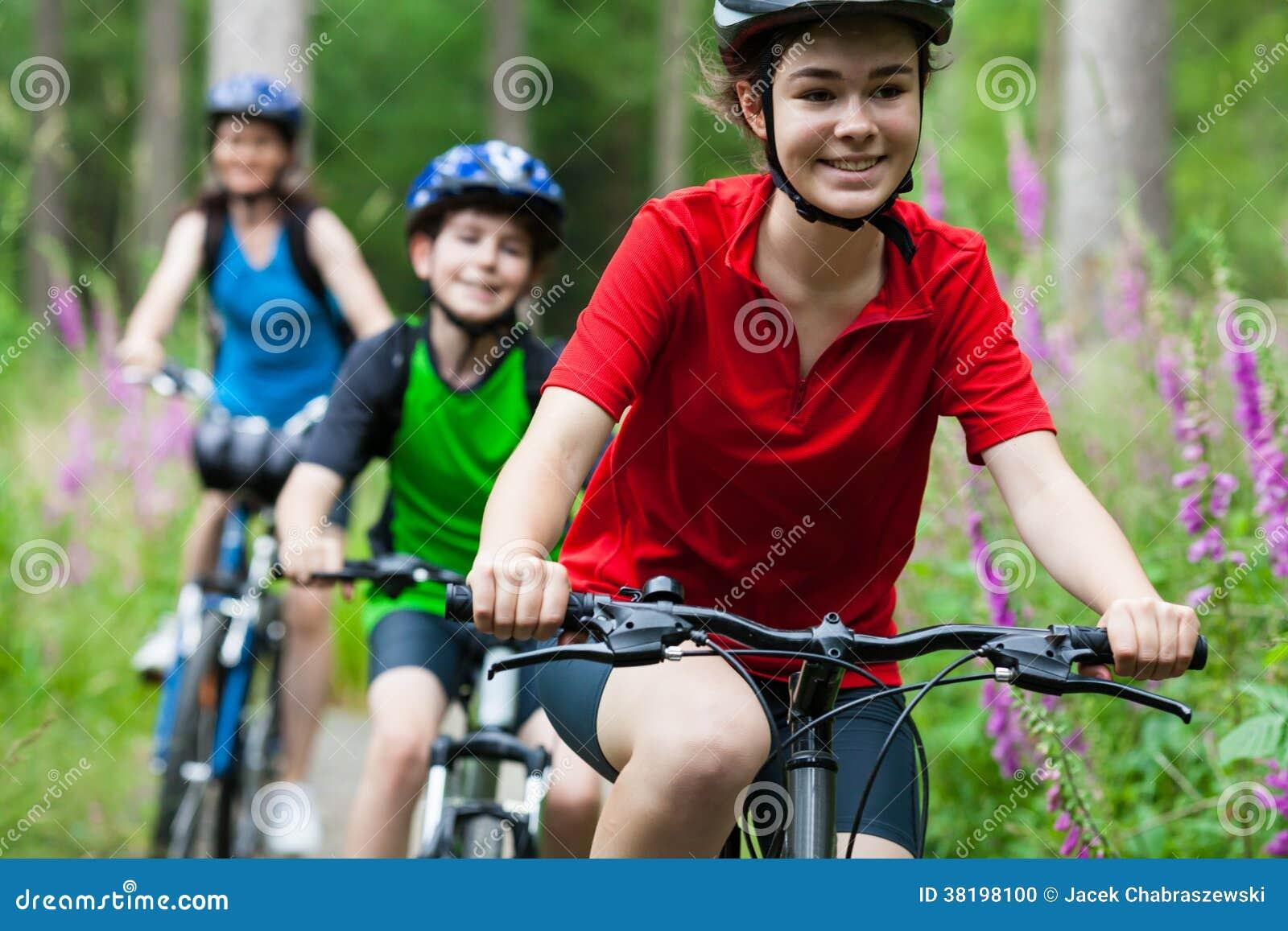 Велосипед семьи