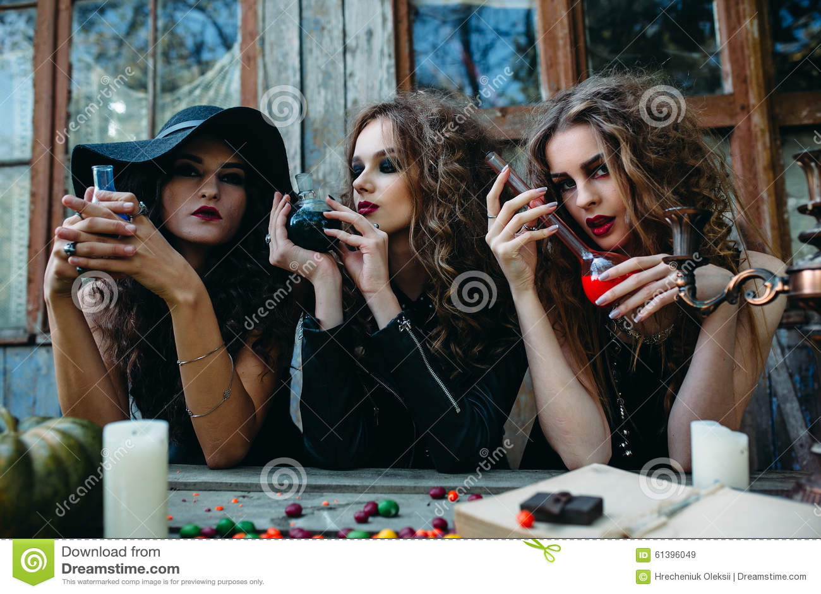 фото три ведьмы